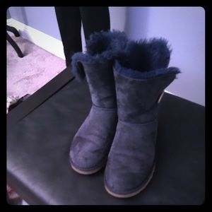 Authentic UGG Bailey Button Boots In Navy!